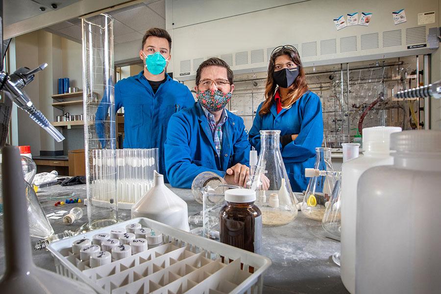 Building blocks: FSU chemists create new system to build compound critical to drug development